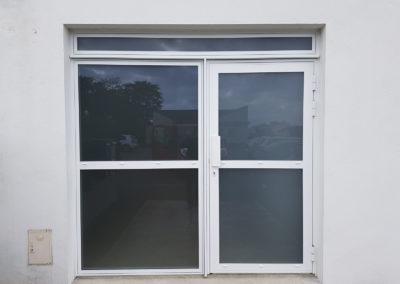 Porte d'entrée vitrée - MBA MENUISERIE