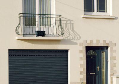 Porte de garage enroulable de chez Novoferm - MBA MENUISERIE
